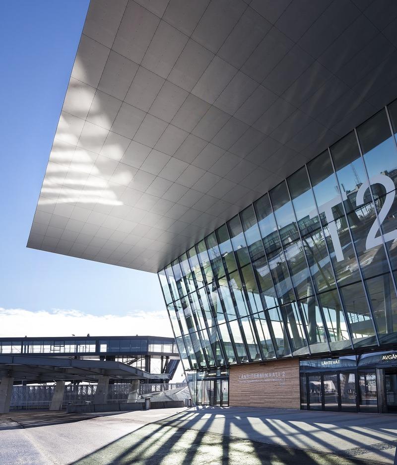 Länsiterminaali 2 on vuoden 2017 Teräsrakenne